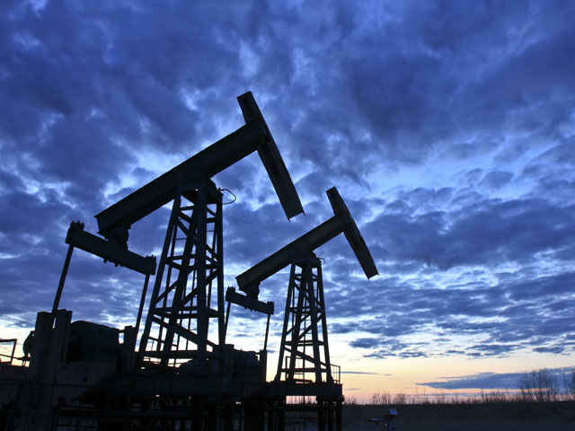 Цена нефти Brent превысила 50 долларов впервые с ноября 2015