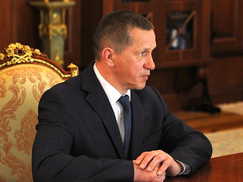 Полпред президента РФ в ДФО вице-премьер Юрий Трутнев призвал не отказываться от идеи создания офшорной зоны в России
