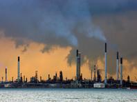 Снижение цен на нефть обусловлено продолжающимся ростом запасов нефтепродуктов в мире при неблагоприятных прогнозах спроса