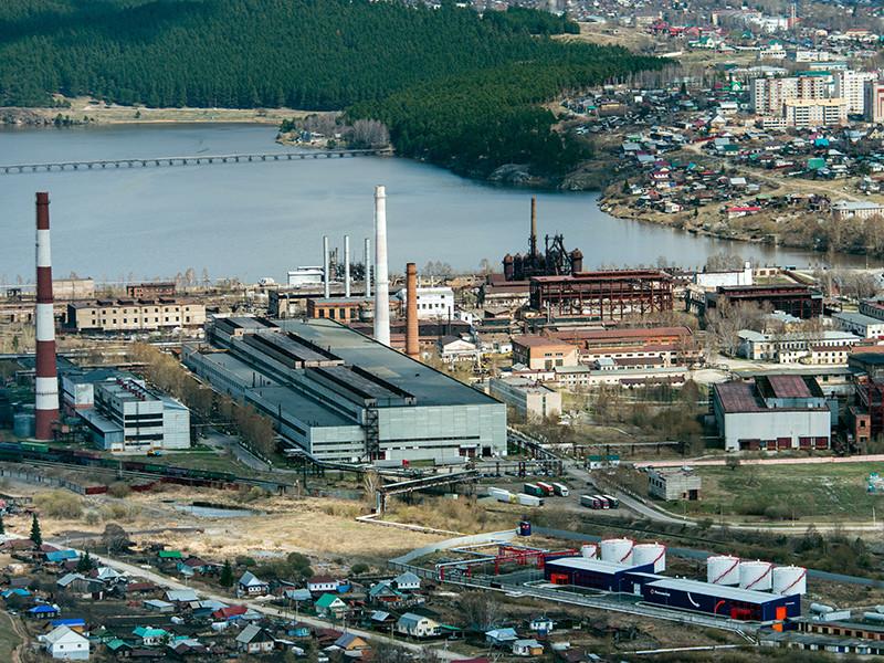 """Металлургическая компания """"Мечел"""" сумела избежать краха, который вполне мог бы стать крупнейшим в российской истории корпоративным банкротством, и реструктуризировать задолженность перед кредиторами после вмешательства Кремля"""