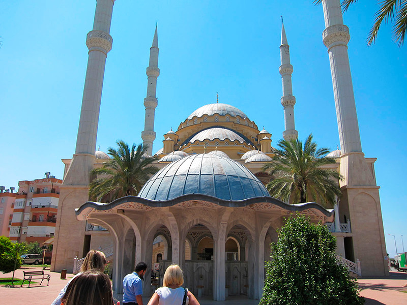 Российские туроператоры начали продажу туров в Турцию, не дожидаясь чартеров