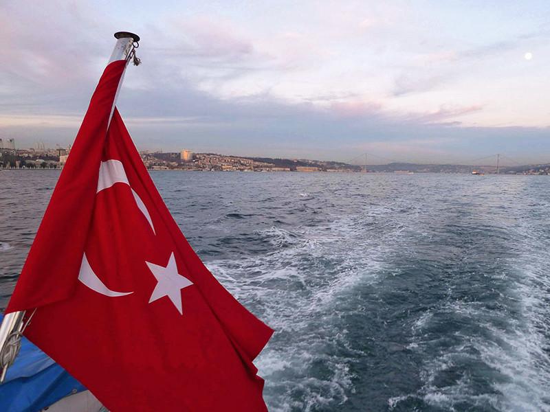 Ажиотаж, начавшийся после открытия продаж туров в Турцию, привел к снижению цен по лидирующим среди россиян направлениям зарубежного отдыха - Греция, Кипр, Болгария, Испания