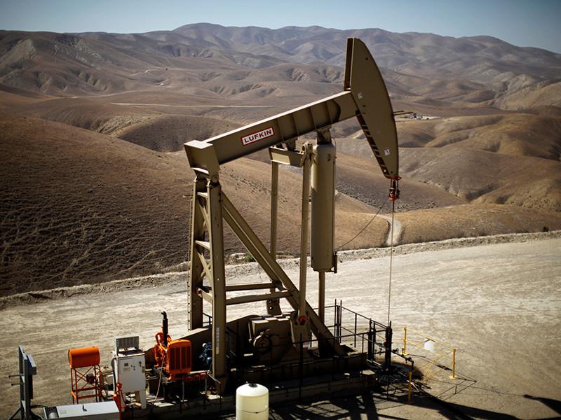 Цены на нефть усилили падение на торгах в понедельник, стоимость нефти Brent опустилась ниже 45 за баррель впервые с начала мая