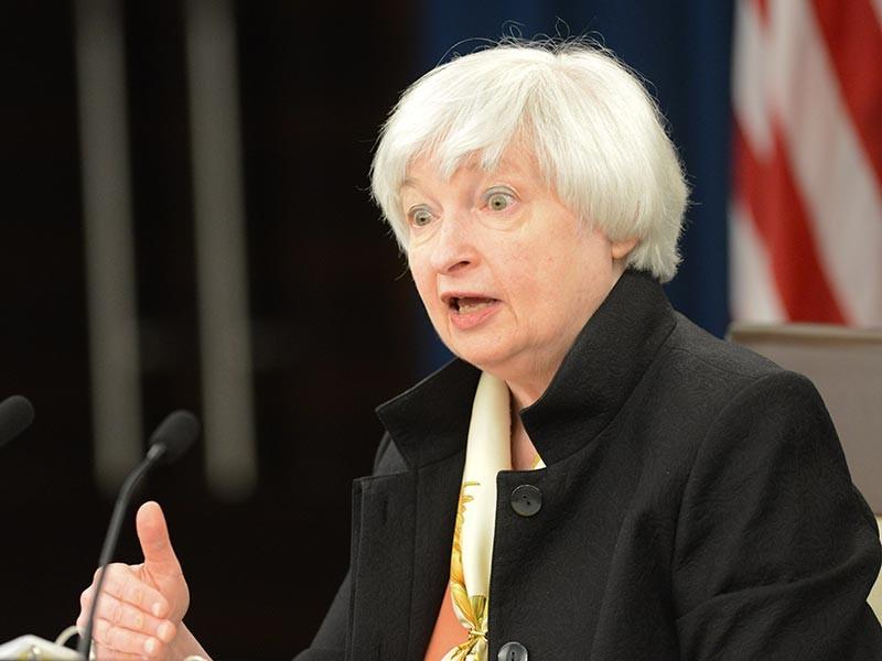 Федеральная резервная система США дала американским банкам еще год на выполнение запрета на вложения в фонды прямых инвестиций и хедж-фонды