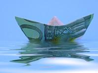 Россия второй месяц живет без чистого притока валюты