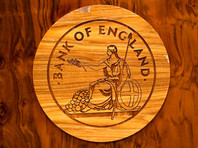 Банк Англии удовлетворил ожидания аналитиков и понизил базовую процентную ставку