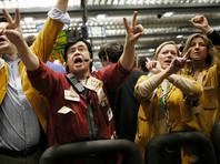 Нефть дешевеет:  биржи откликнулись на рост запасов и ждут увеличения поставок