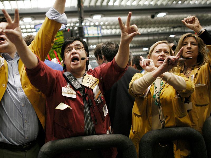 Нефть дешевеет: биржи откликнулись на рост запасов и ждут ждут увеличения поставок