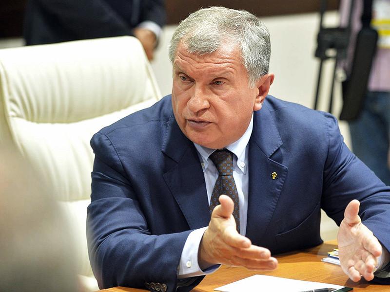 """Глава """"Роснефти"""" Игорь Сечин считает, что сланцевая нефть имеет хорошие шансы на переход на траекторию умеренного роста, но при ожидаемой динамике рынка он не будет носить """"взрывного"""" характера, как это было в 2013-2014 годах"""