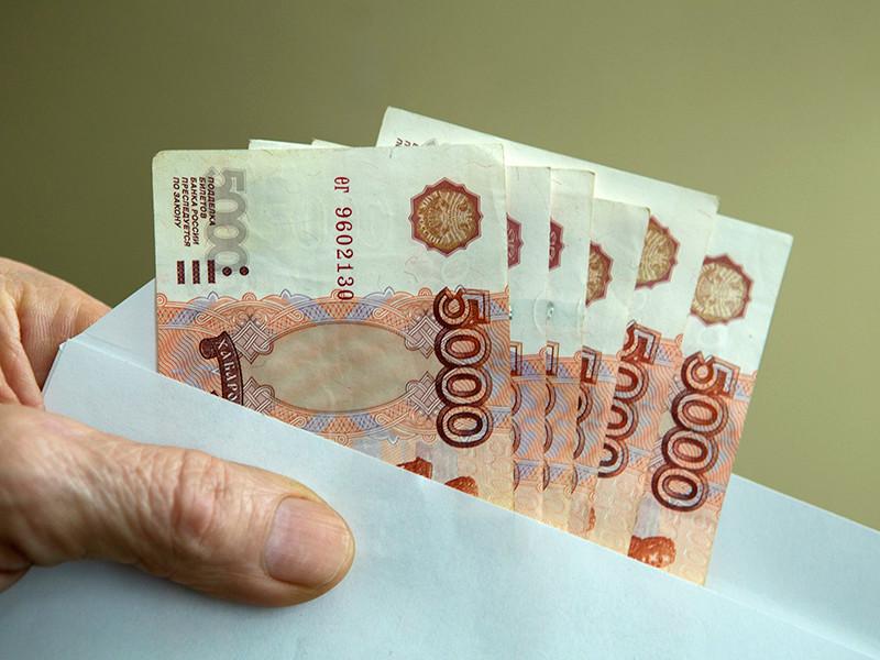 """Число россиян, согласных работать за """"черную"""" и """"серую"""" зарплату, заметно выросло с начала этого года"""