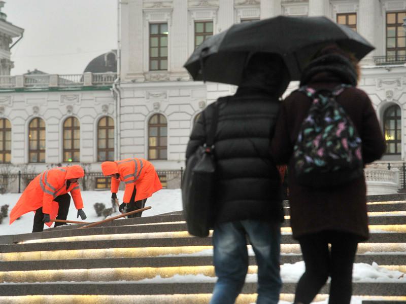 ВЦИОМ: 56% россиян оценивают экономическую обстановку в стране как среднюю
