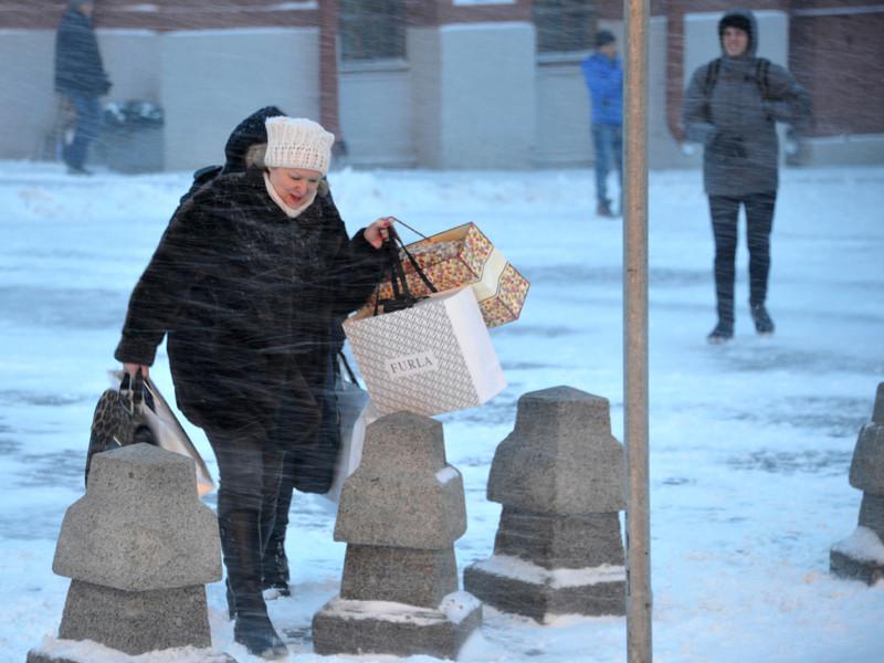 Основные проблемы страны, по ощущениям россиян, в уходящем году связаны со сферами экономики и госуправления. Они также обеспокоены ситуациями в сферах образования и здравоохранения, свидетельствуют результаты опроса ВЦИОМ