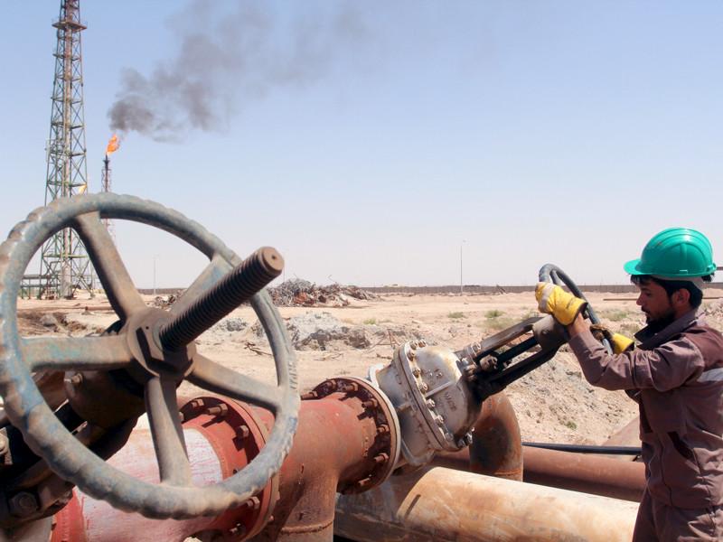 Страны ОПЕК и вне ОПЕК впервые за 15 лет близки к общей договоренности о глобальном сокращении добычи нефти