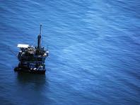 Нефть продолжает дешеветь на увеличении числа буровых установок в США