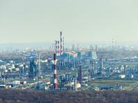 Новак, однако, не стал называть прогноз экспорта нефти из России в 2017 году, заметив, что на этот показатель влияет множество факторов, в том числе модернизация НПЗ, снижение объемов переработки