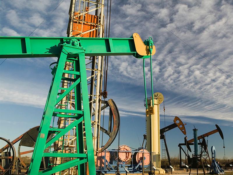 Цена на нефть марки Brent колеблется в районе 55 долларов