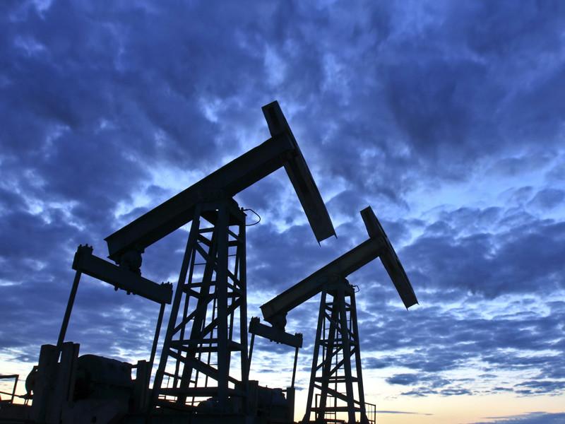Россия ускорила сокращение добычи нефти после критики со стороны саудовцев