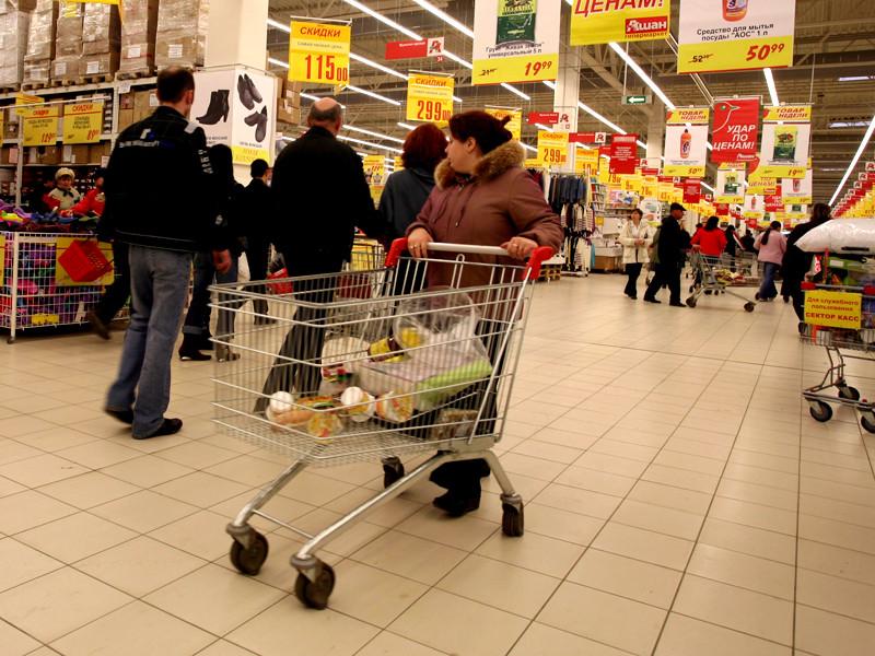 50% россиян тревожит грозящая им бедность: сколько надо получать, чтобы не чувствовать себя бедным в России