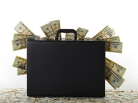 По данным Центробанка, только в прошлом году в эту страну физлица из РФ перечислили 5,1 млрд долларов. Эта сумма стала рекордной за все время публично доступной статистики с 2006 года