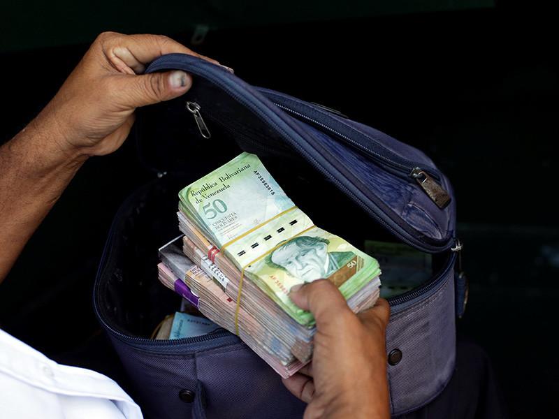 Уровень инфляции в Венесуэле по итогам текущего года может составить 720%, а в 2018 году данный показатель может достигнуть 2000%