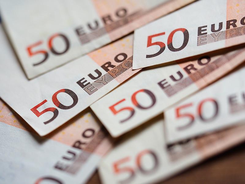 Сеть расследовательской журналистики (EIC, European Investigative Collaboration), в которую входят журналисты девяти известных изданий из разных стран ЕС, посвятило очередное расследование финансовой группе 4finance, выдающей микрокредиты под грабительские проценты в целом ряде западных стран