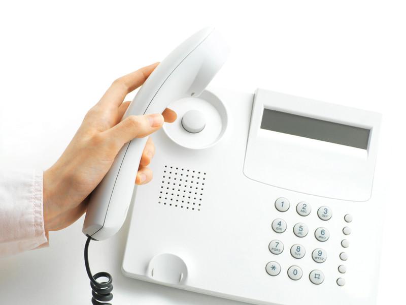 Суд в Вологодской области разрешил коллекторам звонить должникам на работу
