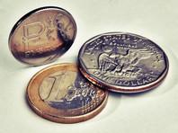 Курс доллара впервые с 15 марта поднялся выше 59 рублей на фоне обвала цен на нефть, возможных санкций и еще нескольких причин