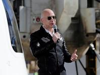Счетчик журнала Forbes показал, что основатель и глава компании Amazon Джефф Безос, благодаря росту ее акций, сделался самым богатым в мире бизнесменом, обогнав сооснователя Microsoft Билла Гейтса
