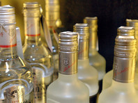 Минфин РФ не планирует повышать минимальную розничную цену водки в 2018 году