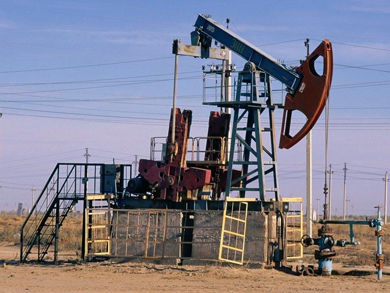 Fitch снизило прогноз цен на нефть, не поверив в планы ОПЕК