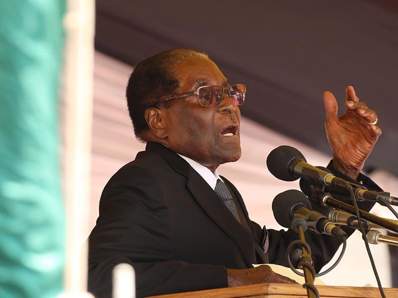 Африканская Зимбабве, которой в течение 37 лет правил Роберт Мугабе - патриарх африканской демократии, возглавивший страну и сосредоточивший в своих руках всю власть, а теперь вынужденный от нее отказаться в результате переворота, является государством с самой высокой официально зафиксированной инфляцией