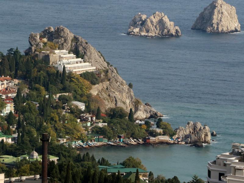 """Бюджет Крыма на 80% обеспечат федеральными деньгами, чтобы не было """"неправильных настроений"""""""