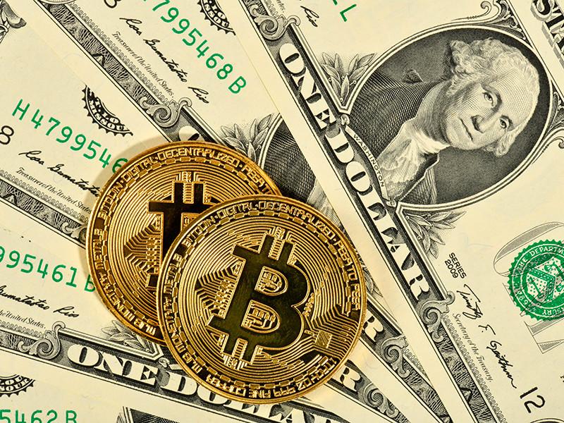 У биткойна новый исторический максимум: за сутки он прибавил почти 1 тыс. долларов