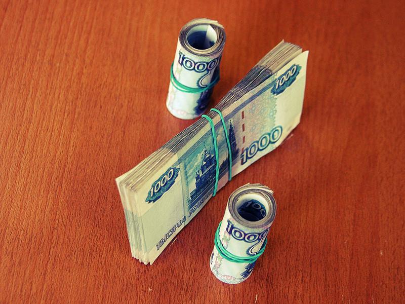 Российские власти вернулись к идее возродить налог с продаж. Сначала бизнесменам придется платить его по ставке 1,1%, а с 2019 года - по ставке 2,2%