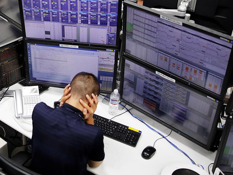 Нынешнее снижение курса доллара к рублю связано как с ростом мировых цен на нефть, так и падением доллара на мировом рынке Forex к основным мировым валютам, в том числе и Евро, который в четверг утром превысил отметку 1,24 доллара), говорят аналитики