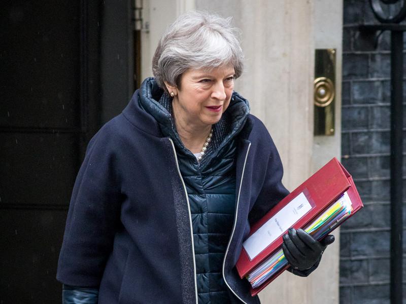 Тереза Мэй задумалась о запрете на продажу Россией ценных бумаг на лондонском фондовом рынке