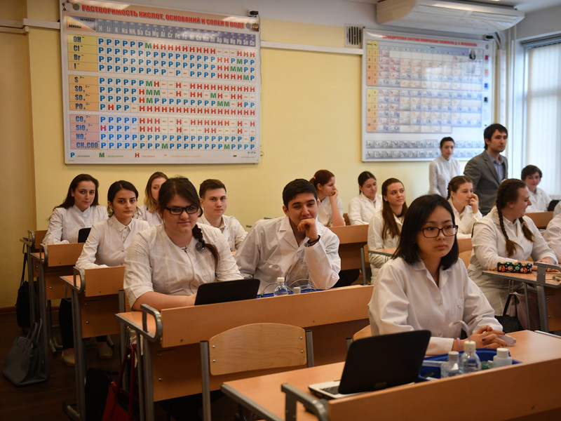 Системе образования РФ не хватает бюджетных денег даже для минимального развития школ и вузов