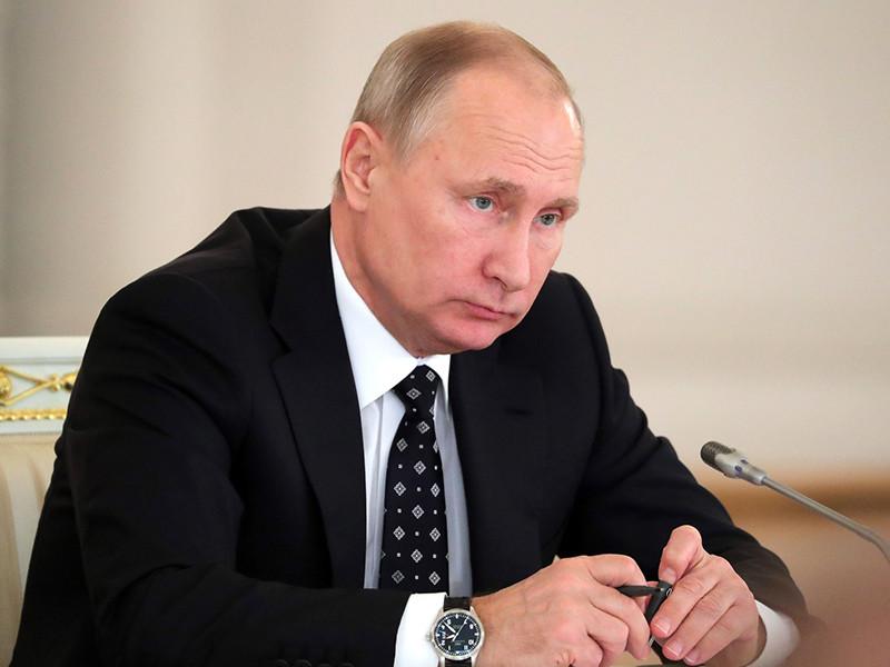 Нарушение законов в сфере конкуренции наносит колоссальный ущерб экономике, отметил президент России