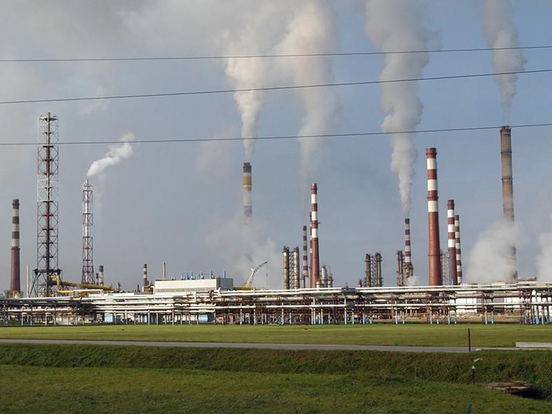 Новый глава Минприроды, бывший губернатор Ямало-Ненецкого автономного округа Дмитрий Кобылкин предложил финансировать решение экологических проблем в стране за счет сборов с граждан, а не с помощью нефтяных поступлений