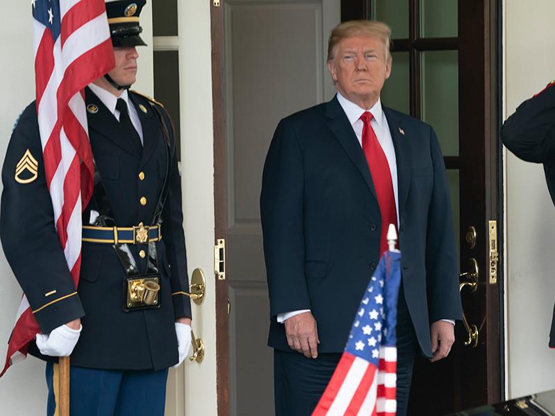 Президент США Дональд Трамп в четверг в очередной раз обвинил Канаду и Европейский союз в создании торговых барьеров, в том числе введении импортных пошлин
