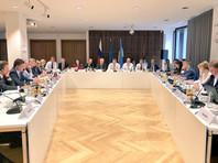 Накануне в Берлине на трехсторонних переговорах с участием России, Украины и ЕС, был фактически согласован подход, согласно которому новый контракт должен регулироваться европейским правом, отметил Коболев