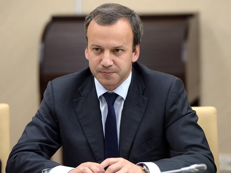 """Бывший вице-премьер Аркадий Дворкович, покинувший свой пост в мае после назначения нового правительства, объяснил резкий рост цен на бензин, произошедший примерно в тот же период, """"пересменкой"""" в кабмине. """"Это не обвинение, а объективный фактор"""", - подчеркнул он в интервью РБК"""