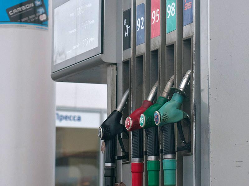 Минэнерго обратилось к правительству с инициативой начать субсидирование цен на бензин не с января 2019 года, как предполагалось раньше, а уже с октября 2018-го