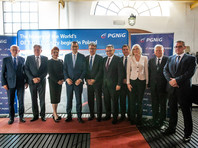 """Вожняк также сообщил, что Польша будет закупать сжиженный природный газ (СПГ) из США по цене почти на 30% меньше, чем ей сейчас обходится природный газ из России. А контракт с """"Газпромом"""", по словам топ-менеджера PGNiG, """"просто закончится"""" в 2022 году"""