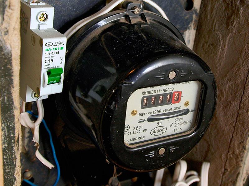 Правительство вернулось к обсуждению введения в России социальной нормы энергопотребления для населения, когда при повышении лимита резко вырастают тарифы