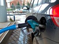 По его словам, это независимые АЗС манипулируют стоимостью топлива, заставляя десятку крупнейших нефтяных компаний поднимать розничные цены