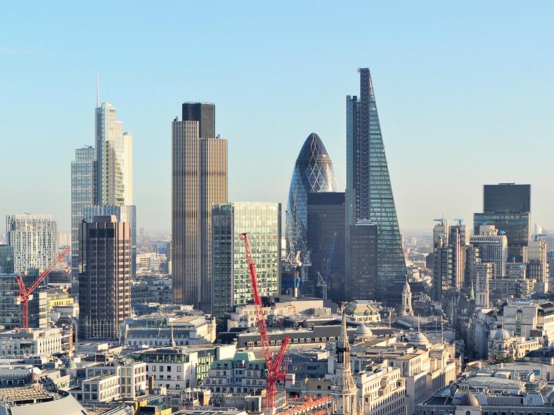 """Лондон создаст спецгруппу для борьбы с """"грязными"""" деньгами"""