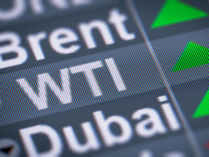 Цены на нефть WTI вернулись к положительным значениям после ухода в минус