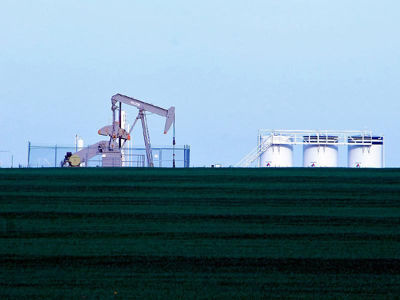 Страны ОПЕК+ официально согласились снизить нефтедобычу в мае-июне на 10 млн баррелей в сутки