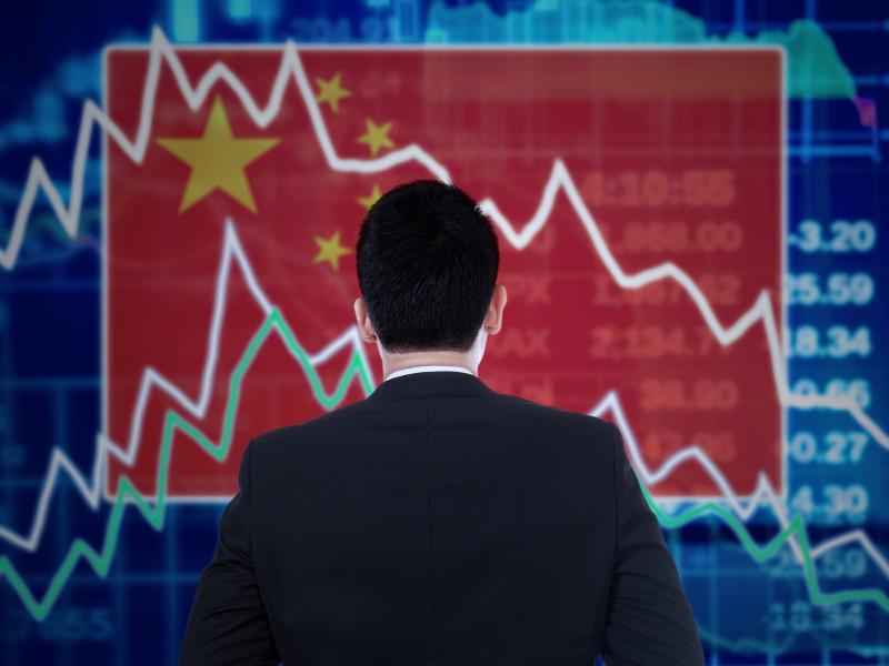ВВП Китая обвалился почти на 7% из-за коронавируса